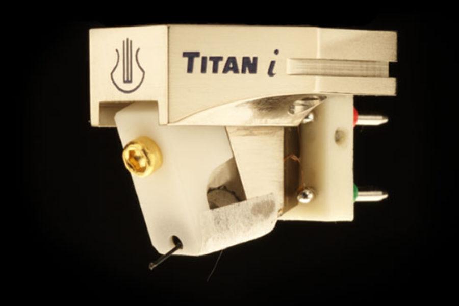 LYRA – Titan i