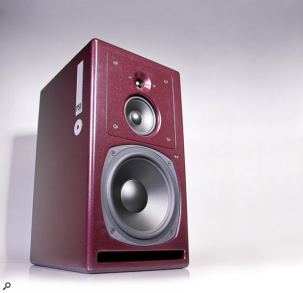 Un ascolto più realistico: dal professionale i monitor PSI A25M
