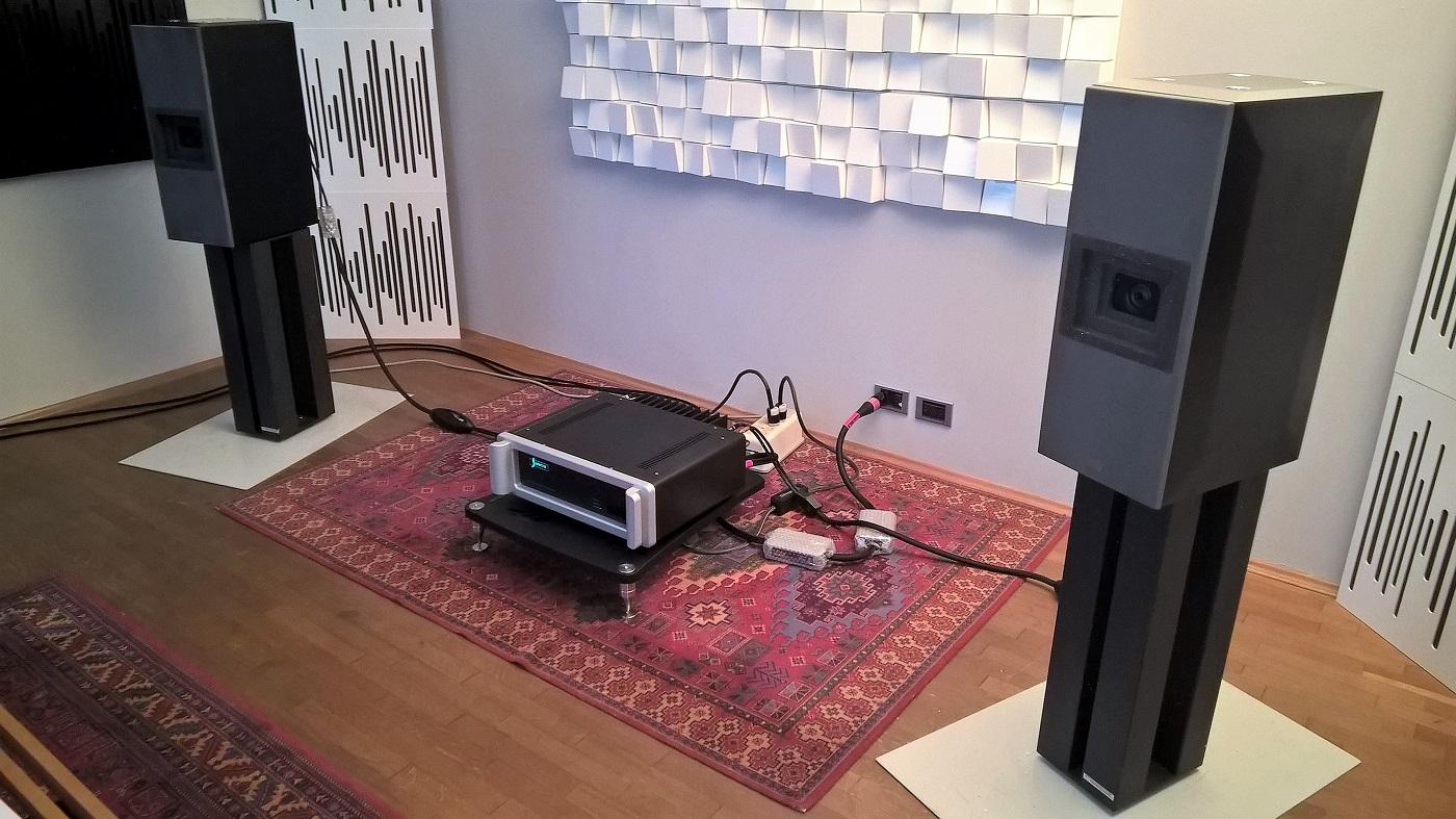 Cosa suona in saletta? Presentazione dei nuovi Lipinski Sound – L707A
