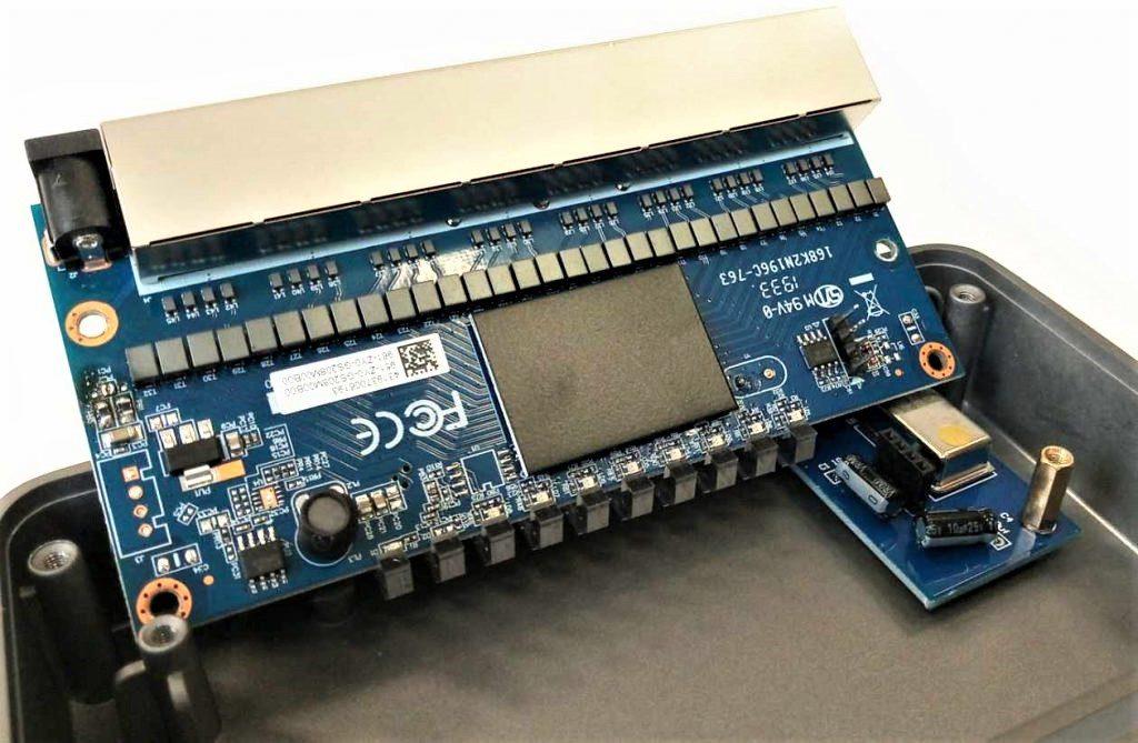 hifi-switch-nuprime-sw8-innen-bauteile-01-1024x669