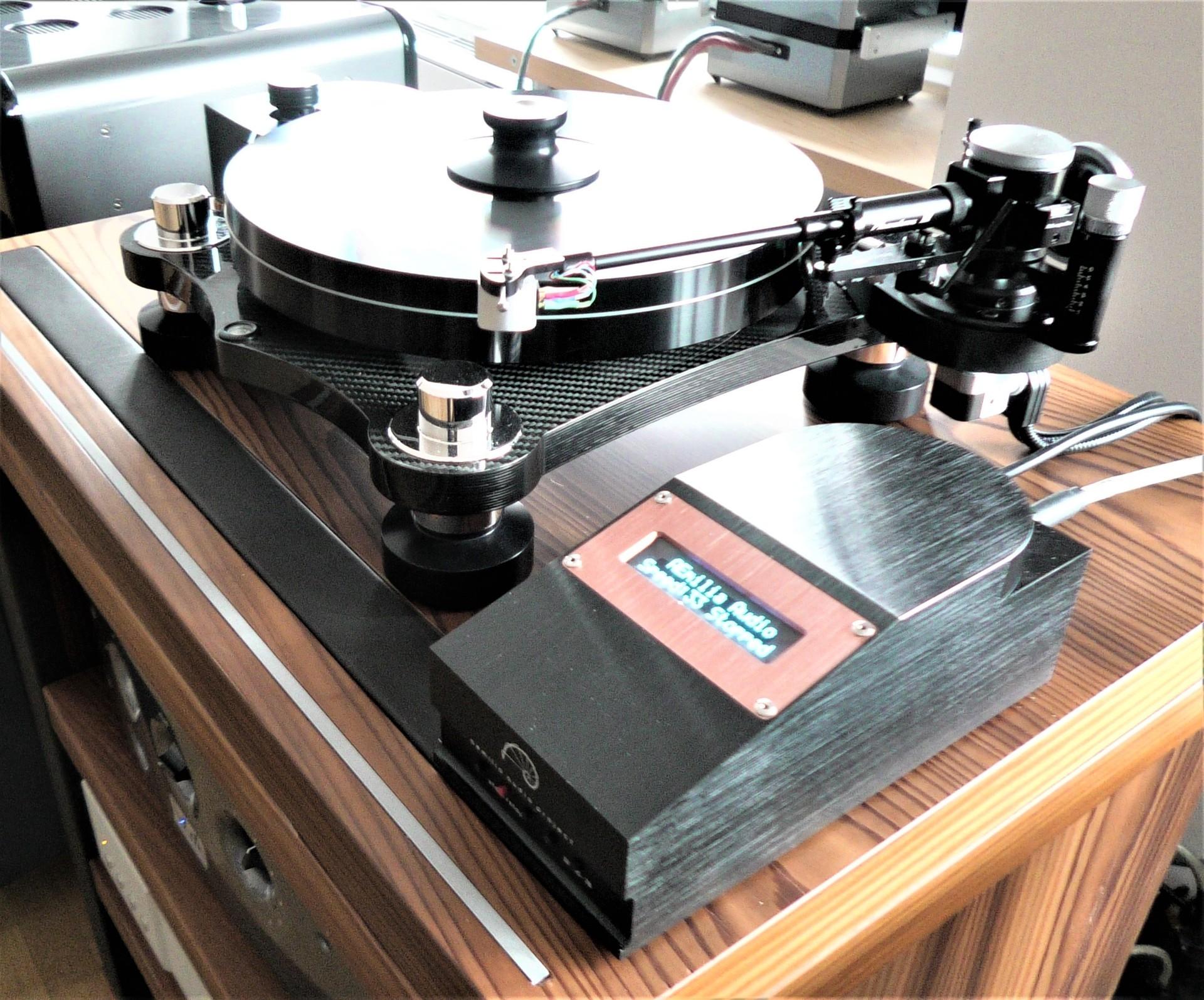 Nuovo riferimento: Giradischi Aemilia Audio Project – Quattro Rush